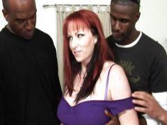 Gangbang mit der rothaarigen Sex Furie